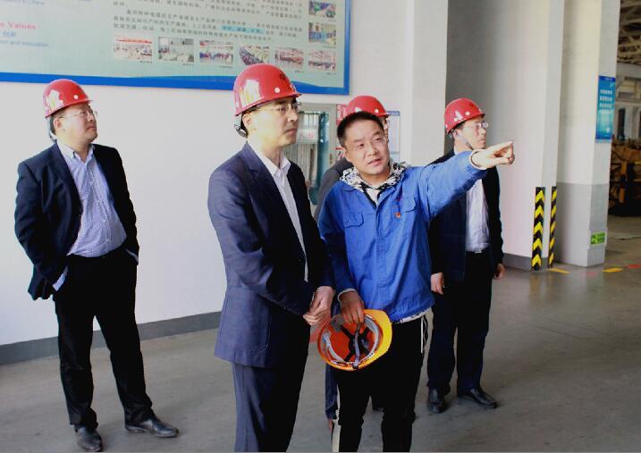 2018年4月9日,宣城市委常委、常务副市长汪谦慎来上上电缆参观考察